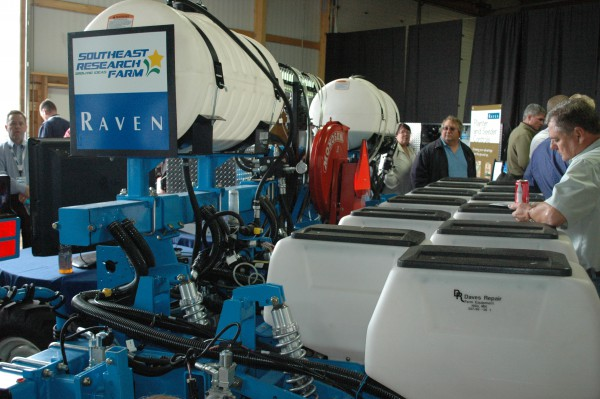 Raven Introduces New OmniRow Multi-Hybrid Planting Technology